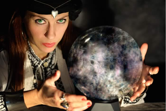 psychic reading, What To Expect From Your First Psychic Reading